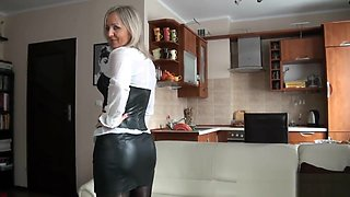 video titel: Sexy mom in rubber and stockings || porn tgas: blonde,high definition,latex,lingerie,
