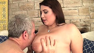 video titel: Thick and beautiful plumper seduces an older guy with her || porn tgas: beautiful,gay,older,seduction,viptube