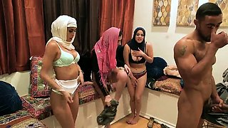 video titel: Outdoor group xxx Hot arab women try foursome || porn tgas: 4some,arab,blonde,blowjob,drtuber