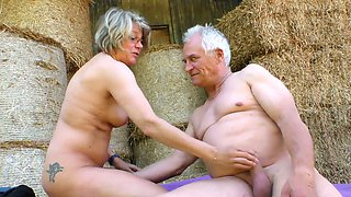 video titel: Mature lusty grey haired village slut wanks and sucks dick on straw in shed || porn tgas: ass,blowjob,cumshots,dick,xcafe