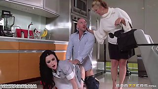 video titel: Wonderful maid ready to do anything for her master || porn tgas: foot,maid,master,public,jizzbunker