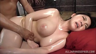 video titel: Massage oil and big natural Japanese tits go very well together || porn tgas: japanese,massage,natural tits,oil,bravotube