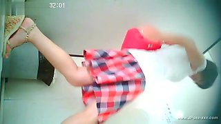 video titel: chinese girl go to toilet.21 || porn tgas: amateur,asian,chinese,toilet,