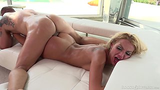 video titel: Wild bitch with nice curves Cherry Kiss is ready for some brutal fuck || porn tgas: bitch,brutal,kissing,wild,xcafe