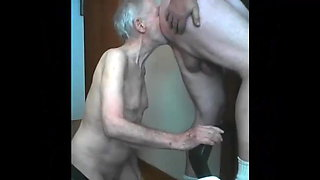 video titel: skinny old Grandpa is a skilled cocksucker dad || porn tgas: daddy,gay,grandpa,old and young,xhamster