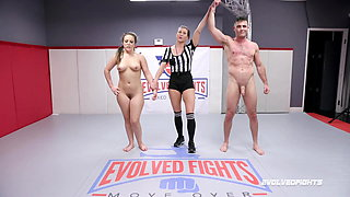 video titel: Carmen Valentina vs Lance Hart in mixed nude wrestling fight || porn tgas: nudity,wrestling,xhamster