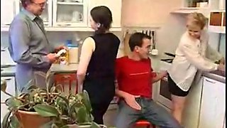 video titel: GroupSex || porn tgas: amateur,group,old and young,orgy,xhamster