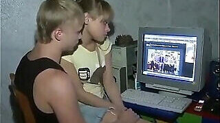 video titel: Similar looking teens fucking for the camera || porn tgas: cams,fuck,sexy,teen,PornoSex