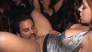 video titel: Gorgeous babe fucks in the night club || porn tgas: babe,blowjob,brunette,fuck,xbabe