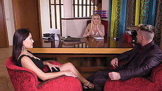 video titel: Threesome sex with a couple therapist    porn tgas: 3some,big tits,british,couple,beeg