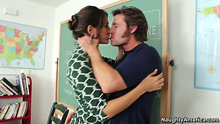 video titel: Seductive school teacher Raylene gets her horny pussy licked hard by her student    porn tgas: big tits,brunette,horny,licking,anysex