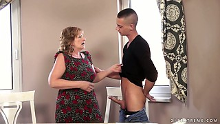 video titel: Horny granny Sally G fucks a handsome student on the couch || porn tgas: ass,bbw,big tits,blowjob,xcafe