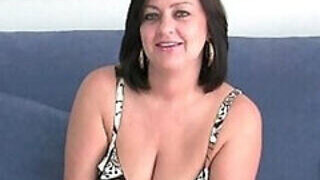video titel: Chubby mom from the UK wants it real hard || porn tgas: chubby,mature,milf,sexy,PornoSex