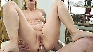 video titel: Ass fuck scene with a really kinky mature lady || porn tgas: amateur,anal,ass,bbw,PornoSex