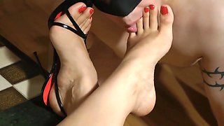 video titel: Worship Your Mistress || porn tgas: bdsm,european,fetish,foot,