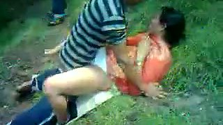 video titel: Lustful Paki milf gets fucked by my buddy in the forest || porn tgas: fuck,indian,milf,outdoor,mylust