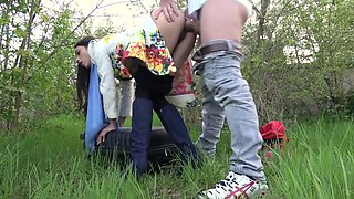 video titel: Public Fucking with a Lost Russian || porn tgas: amateur,brunette,cheating,fuck,tubedupe