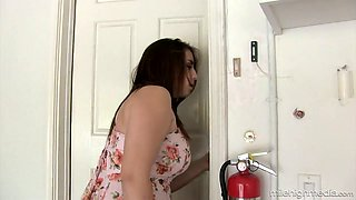 video titel: Juggy housewife Lanie Morgan gives a titjob before a steamy sex || porn tgas: housewife,old man,titjob,anysex