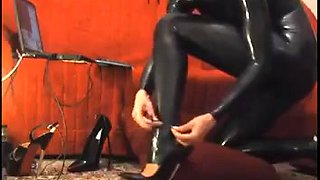 video titel: taking on a catsuit and high heels || porn tgas: heels,high heels,latex,