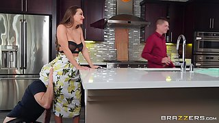 video titel: Abigail Mac nearly got caught cheating on her husband in the kitchen || porn tgas: caught,cheating,husband,kitchen,anyporn