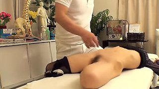 video titel: Skillful doctor massages a cool girl on a spy camera || porn tgas: doctor,girl,hidden,massage,upornia