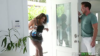video titel: Fucking hot houskeeper Ivy Rose seduces her boss and sucks his pole || porn tgas: boss,fuck,seduction,anysex
