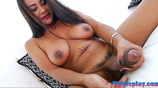 video titel: Sultry tgirl Jasmine masturbates her cock on the couch || porn tgas: cock,couch,masturbation,shemales,gotporn
