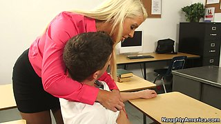 video titel: Curvy tanned teacher Alura Jenson wanna seduce her naughty student for sex || porn tgas: blonde,curvy,milf,naughty,anysex